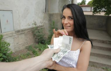 Lexi Dona – Flash Me Your Pussy (PublicAgent)